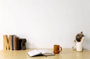 Free Devotions - Christian Resources - Desk 2